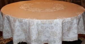 Скатерть виниловая коричневая круг150см(110/2)