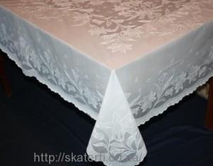 Скатерть виниловая  белая 135х180см(106)
