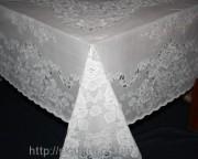 Скатерть виниловая белая 150х260см(108)