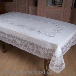 Скатерть на стол белая 150х230см(107/3)