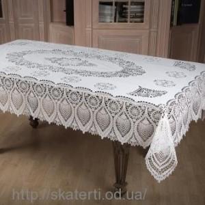 Белая скатерть 135х180 см(205/3)