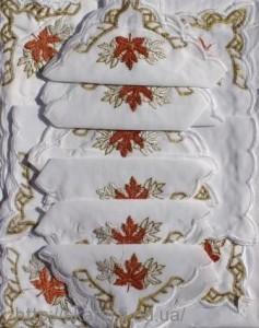Скатерть белая с салфетками 150х220см(550/6)