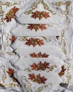 Скатерть белая с салфетками 150х220см(550/7)