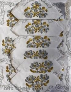 Скатерть белая с салфетками 150х220см(550/18)