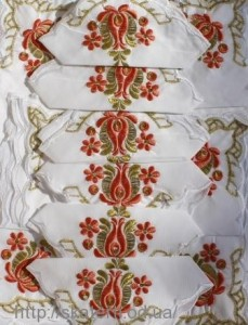 Скатерть белая с салфетками 150х220см(550/16)