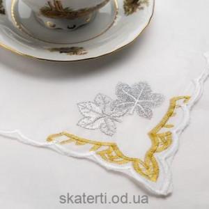Скатерть белая с салфетками 150х220см(550/31)